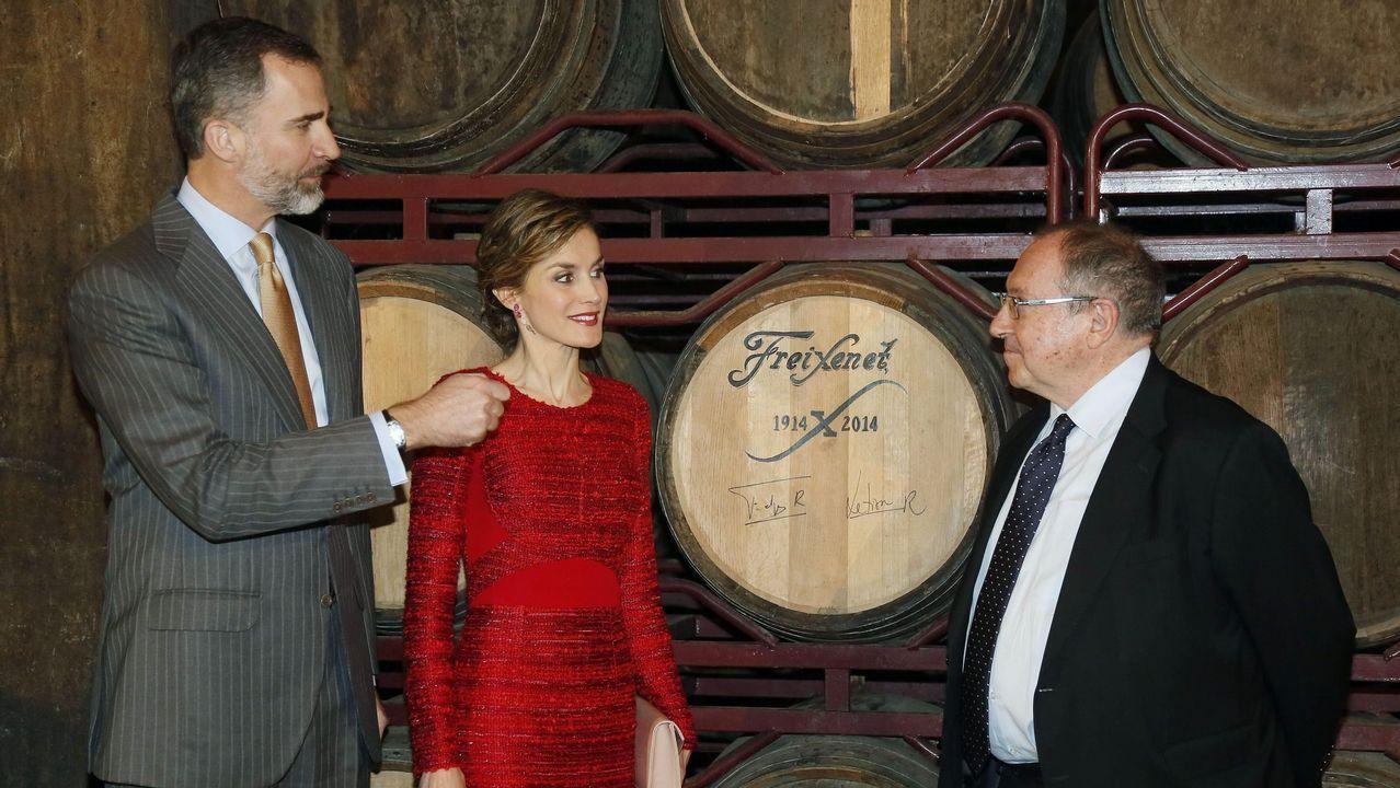 Mariano Rajoy.El presidente de Freixenet, Josep Lluís Bonet, con los reyes