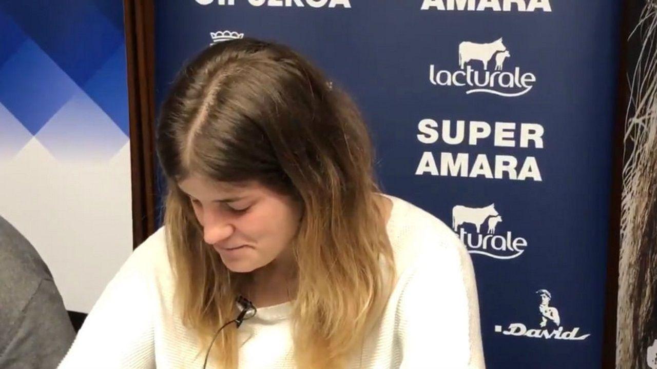 Maite Zugarrondo: «He tomado la decisión de asegurar un futuro y una estabilidad para las niñas».A partir del día 22 la Xunta podrá expropiar inmuebles en ruinas cuando sus dueños no los rehabiliten