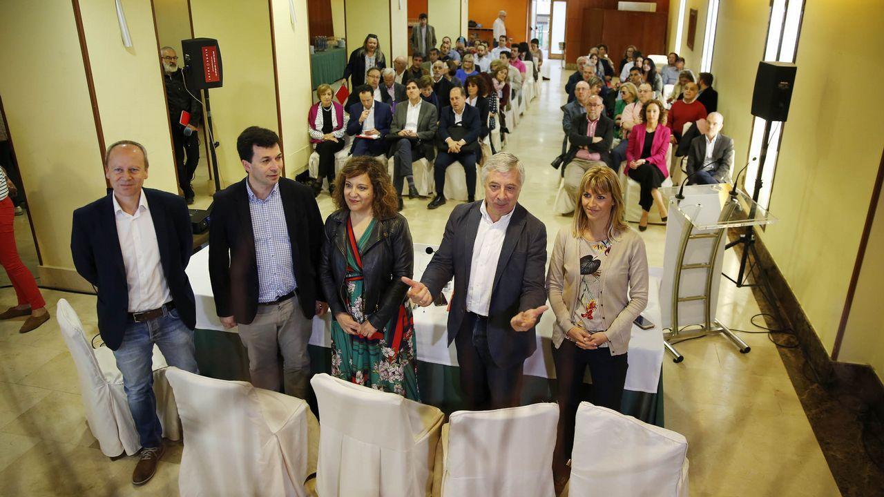 El PSdeG reconoce por primera vez la amenaza de ser desplazado por el ascenso de Ciudadanos.Jornada sobre política municipal celebrada en Santiago por el PSdeG
