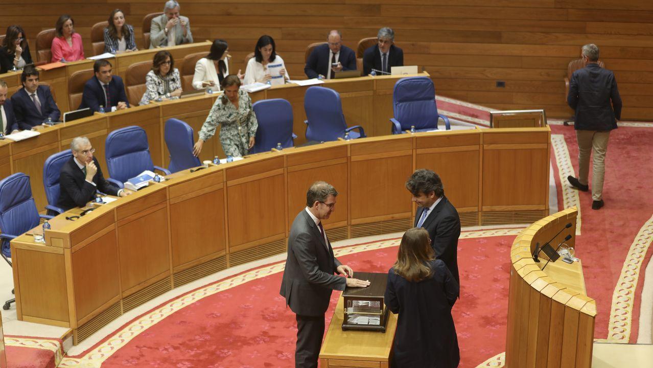 Pablo Casado: «Si presido el PP, Feijoo será lo que él quiera».Cabina del convoy de la línea de Alta Velocidad con el que se inauguró el Eje Atlántico A Coruña-Vigo