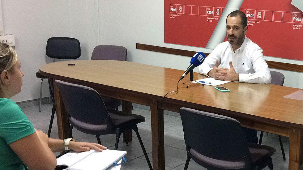El alcalde de Siero, Ángel García «Cepi», en la sede del PSOE.El alcalde de Siero, Ángel García «Cepi», en la sede del PSOE