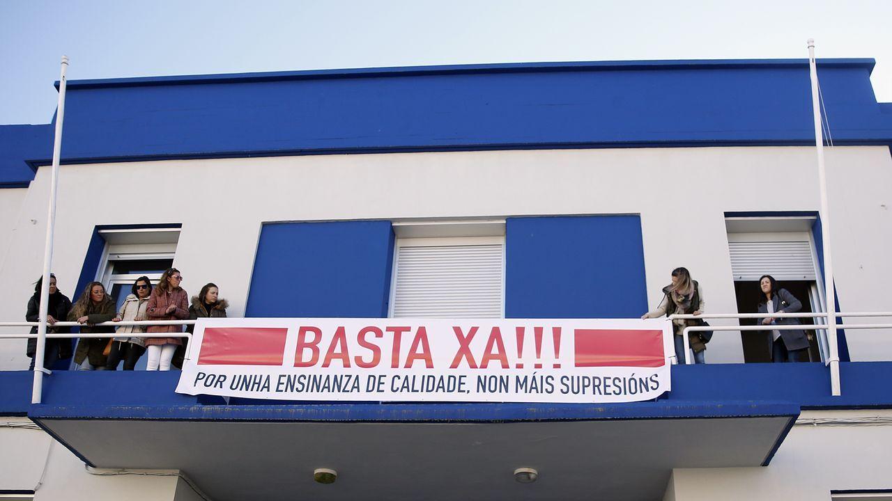 Padres del colegio Fernández Varela se movilizan para que no les quiten más profesores