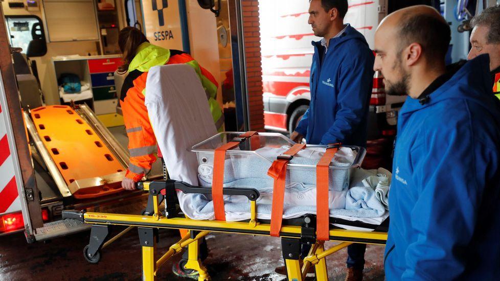 Traslado de un bebe del hospital de Arriondas