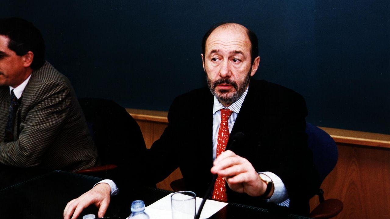 Conferencia de Pérez Rubalcaba en Ourense como secretario de relaciones con los medios del PSOE