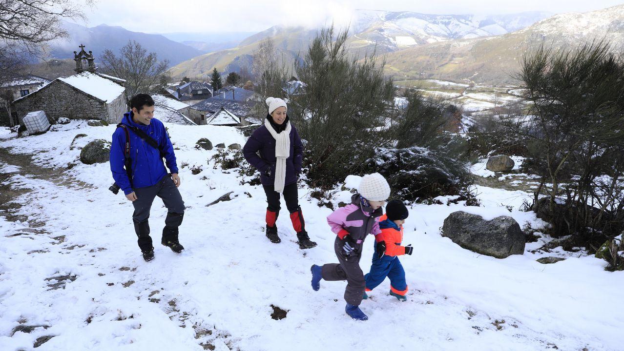 El placer de la nieve también se disfruta en Piornedo