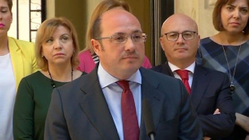 Pedro Antonio Sánchez presenta su dimisión.Ramón Espinar, de Unidos Podemos