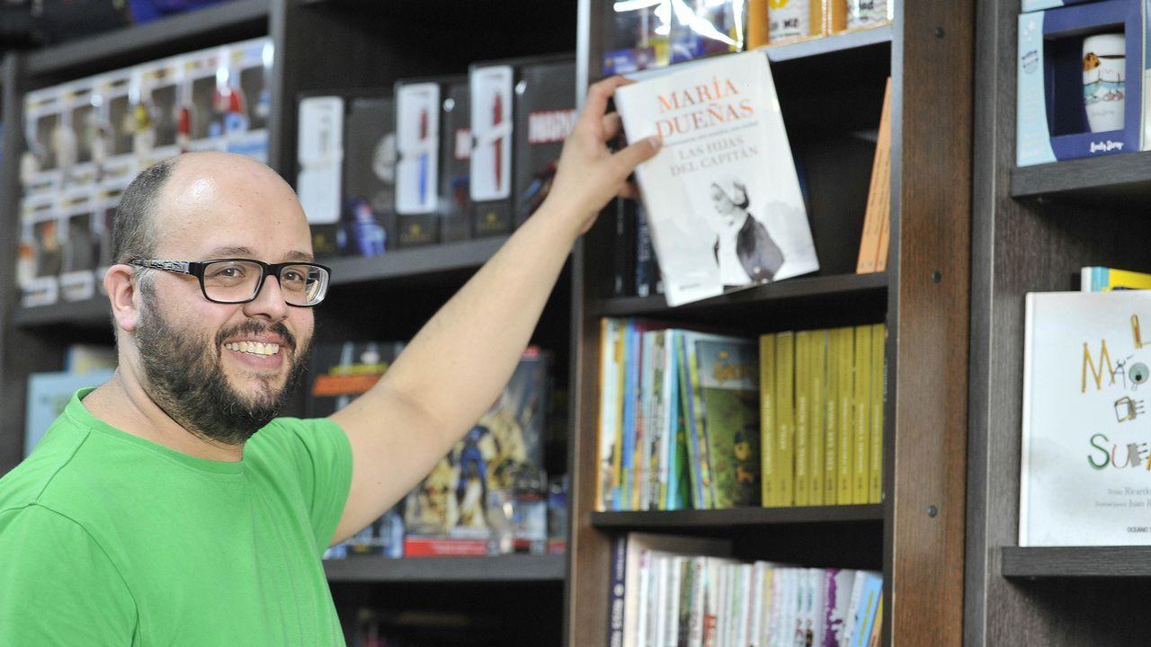«Xente Lendo» en O Barco.biblioteca del campus de Elviña.