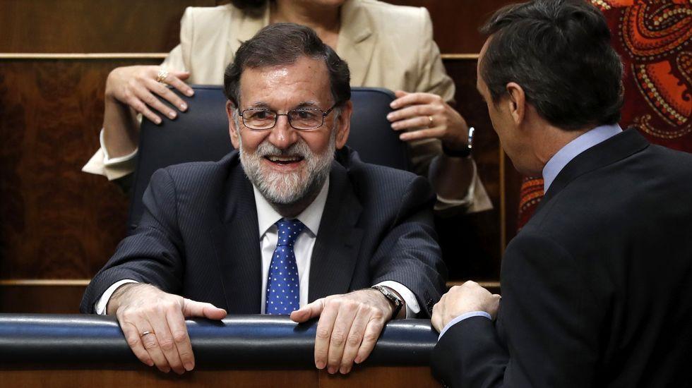 Rajoy se equivoca de botón en la votación de los presupuestos.