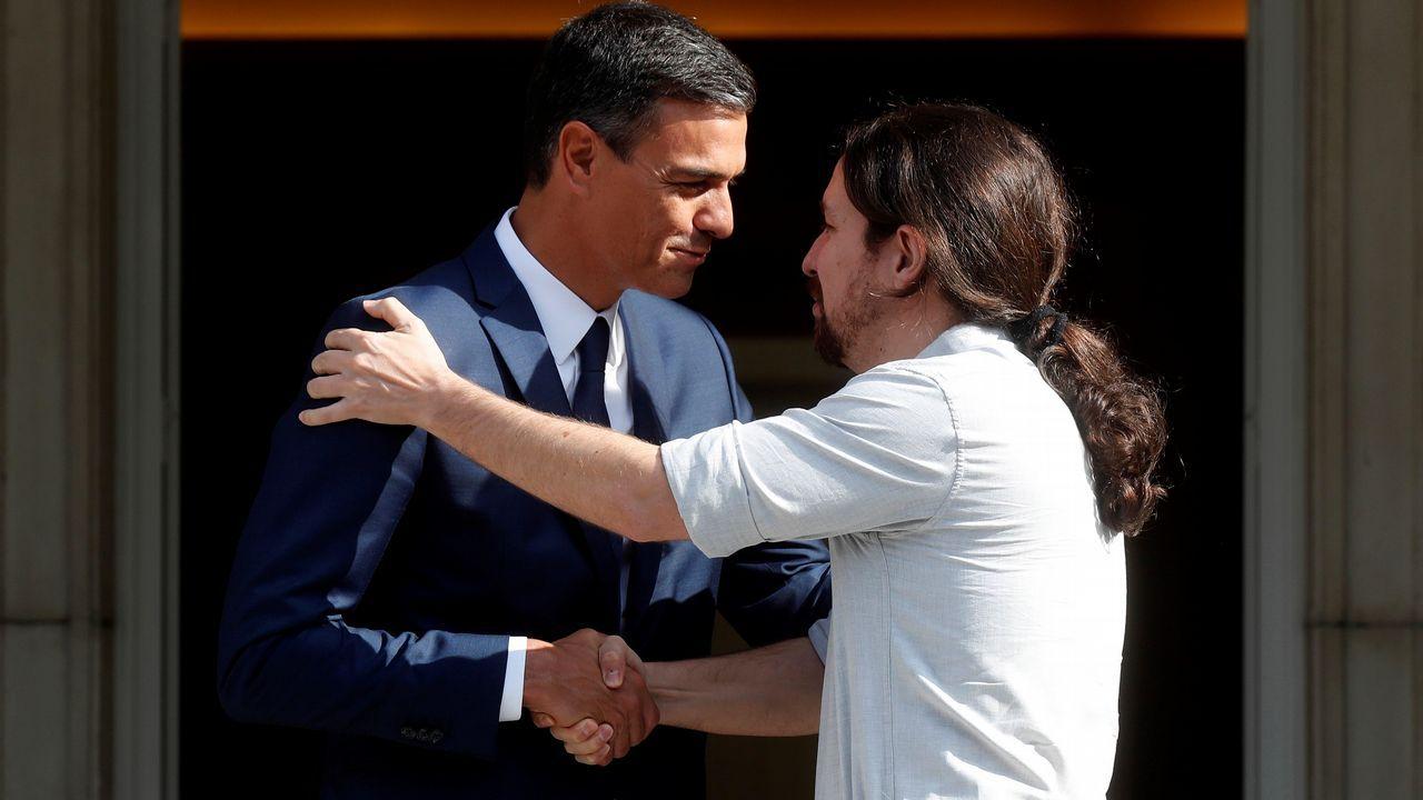 Montón niega cualquier irregularidad en sus estudios de máster.Sánchez reaccionó airado a la pregunta de Rivera, y lo acusó de hacer del Congreso un lodazal