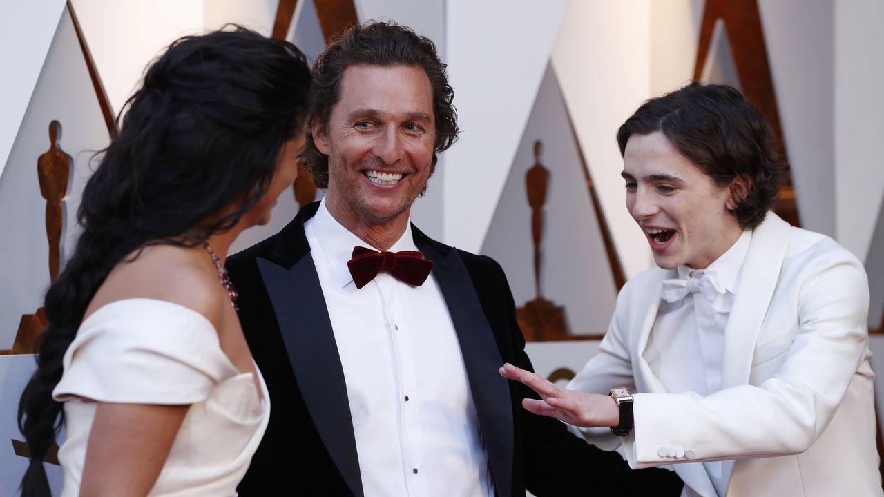 .Timothee Chalamet con Mattew McConaughey y su mujer Camilla Alves
