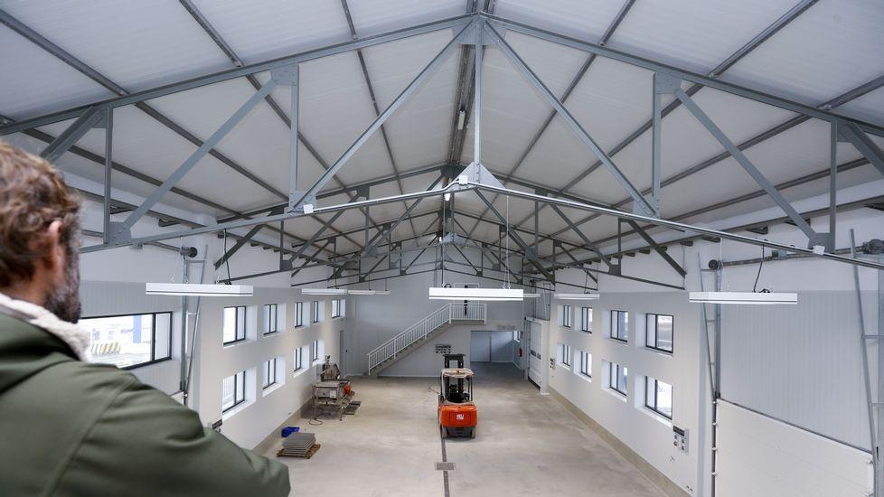 .Vista interior de la rehabilitada lonja de Curuxeiras