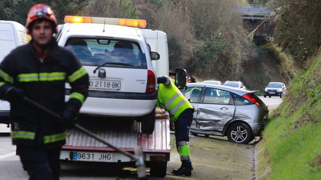 Accidente con varios coches implicados en la VG 4.3 entre Vilanova y Cambados
