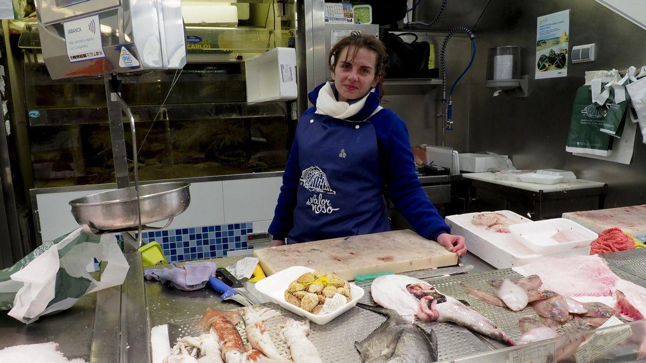 La corriente del Golfo amenaza al clima de la Tierra.Alejandro Pérez , un experimentado pescador de Trelles (Coaña), con el  campanu  2017, un salmón de 5,790 kilos y 79 centímetros que ha caputarado en el río EO y por el que el restaurante  As de Picas  de Gijón ha pagado un total de 9.500 euros.