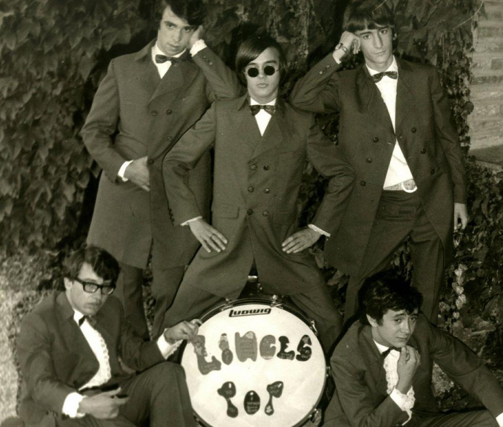 .Chema Ríos, arriba a la derecha, en una foto antigua.