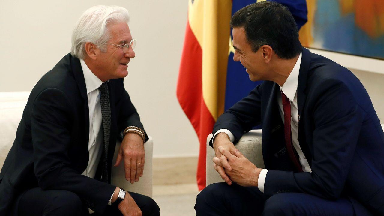 Pedro Sánchez se reúne con Richard Gere para hablar de las personas sin hogar.Daniel Latorre, secretario general de Podemos