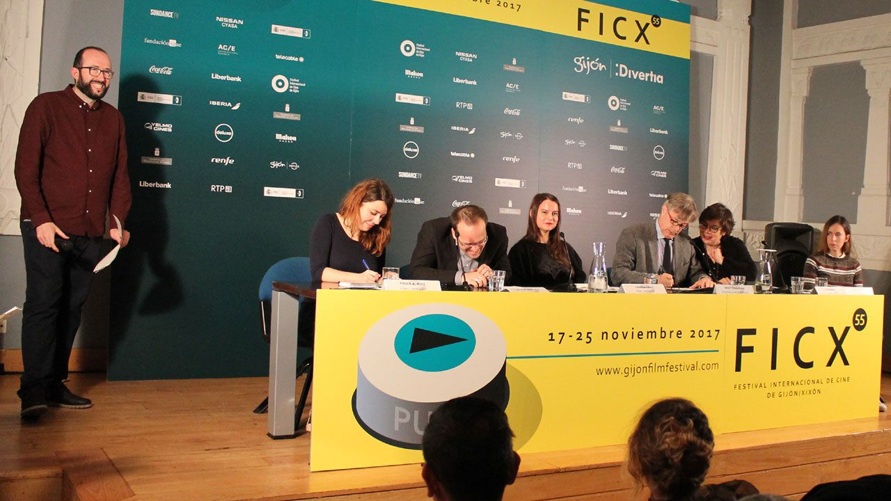 Un divertido momento de la proclamación del palmarés del FICX55