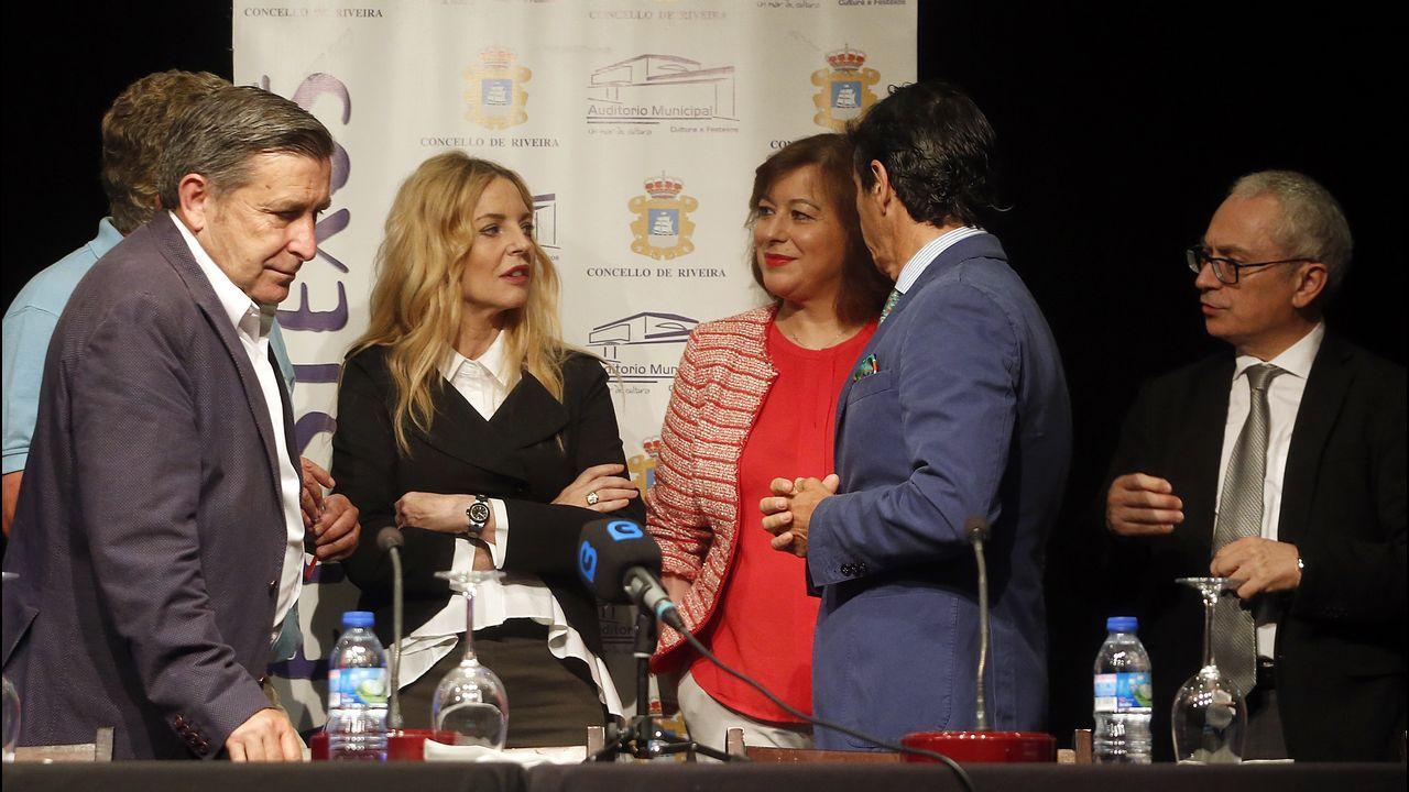 Emotivo recuerdo de la familia de Diana Quer en el segundo aniversario de su desaparición.Sánchez Corbí (a la izquierda) el 2 de enero en A Coruña, donde explicó cómo habían detenido al Chicle