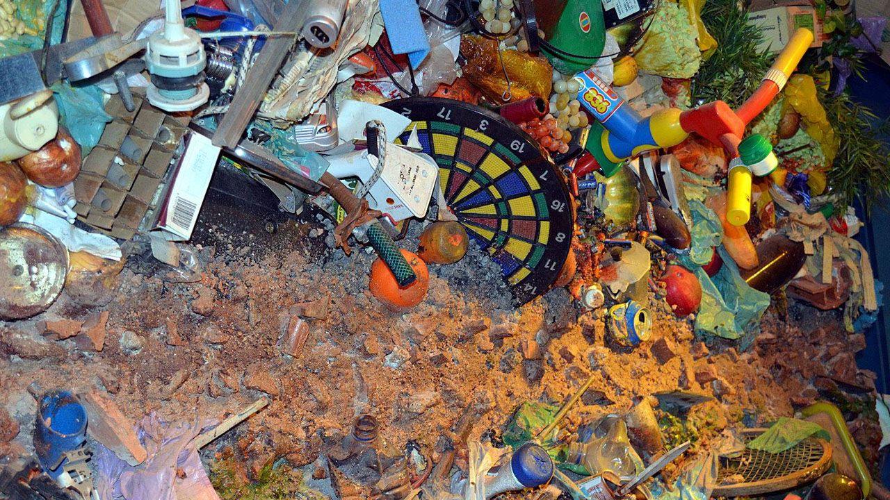 Presentación campaña recogida residuos Cogersa Grado cubo marrón.Basura en el vertedero de Cogersa