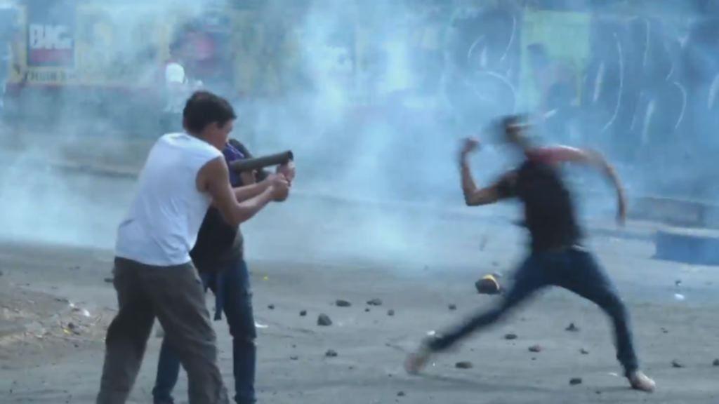 Matan de un disparo a un periodista que hacía una retransmisión en directo.