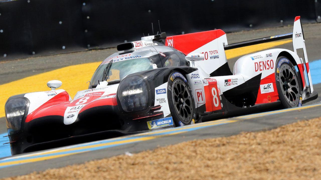 .Fernando Alonso al mando del Toyota en las 24 horas de Le Mans