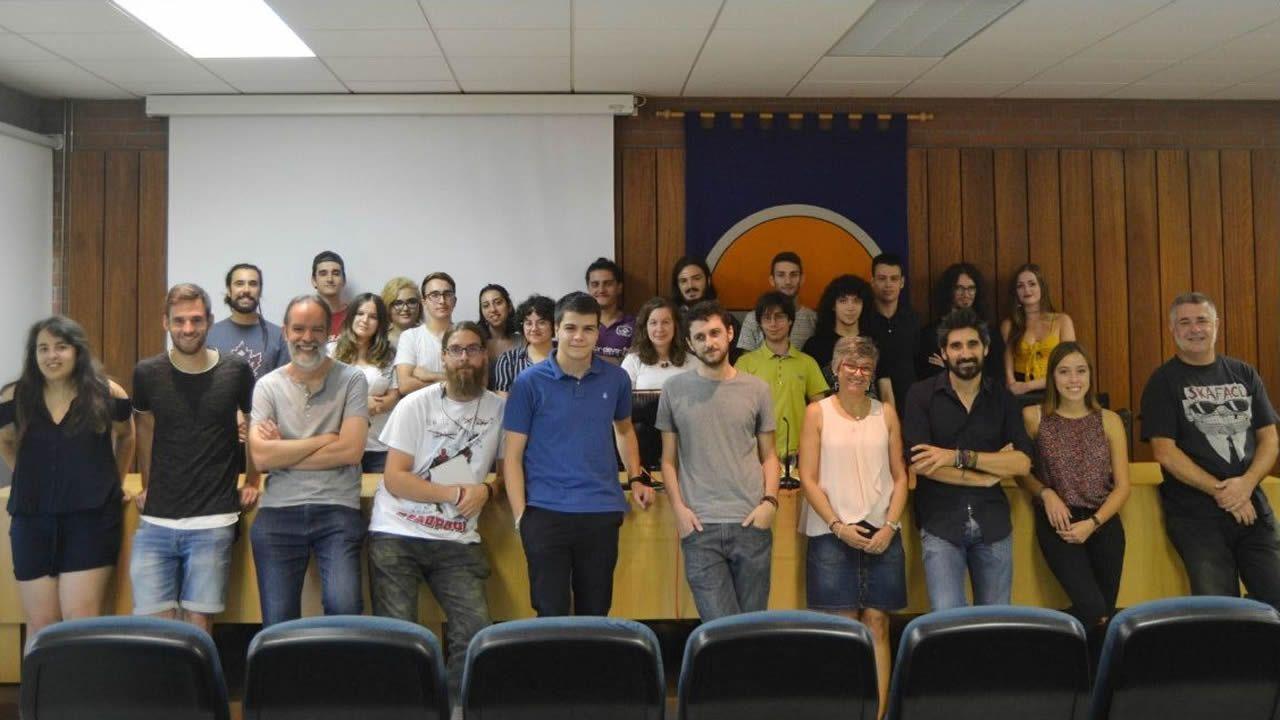 Jacobo, Álvaro y Juan, de izquierda a derecha, estudian 2º de ESO en la Compañía de María
