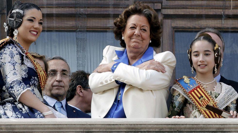 Otra imagen de Rita Barberá en la mascletá de Valencia en el año 2015.