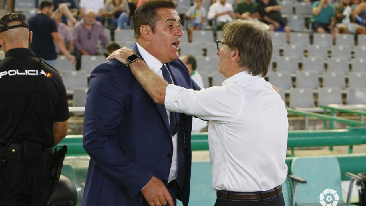 Tejera Real Oviedo Extremadura Carlos Tartiere.Sandoval y Anquela en el Nuevo Arcángel