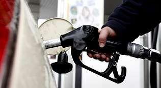 gasolinera, repostar, gasolina, estación de servicio.Un fotograma de «El secreto de Marrowbone»