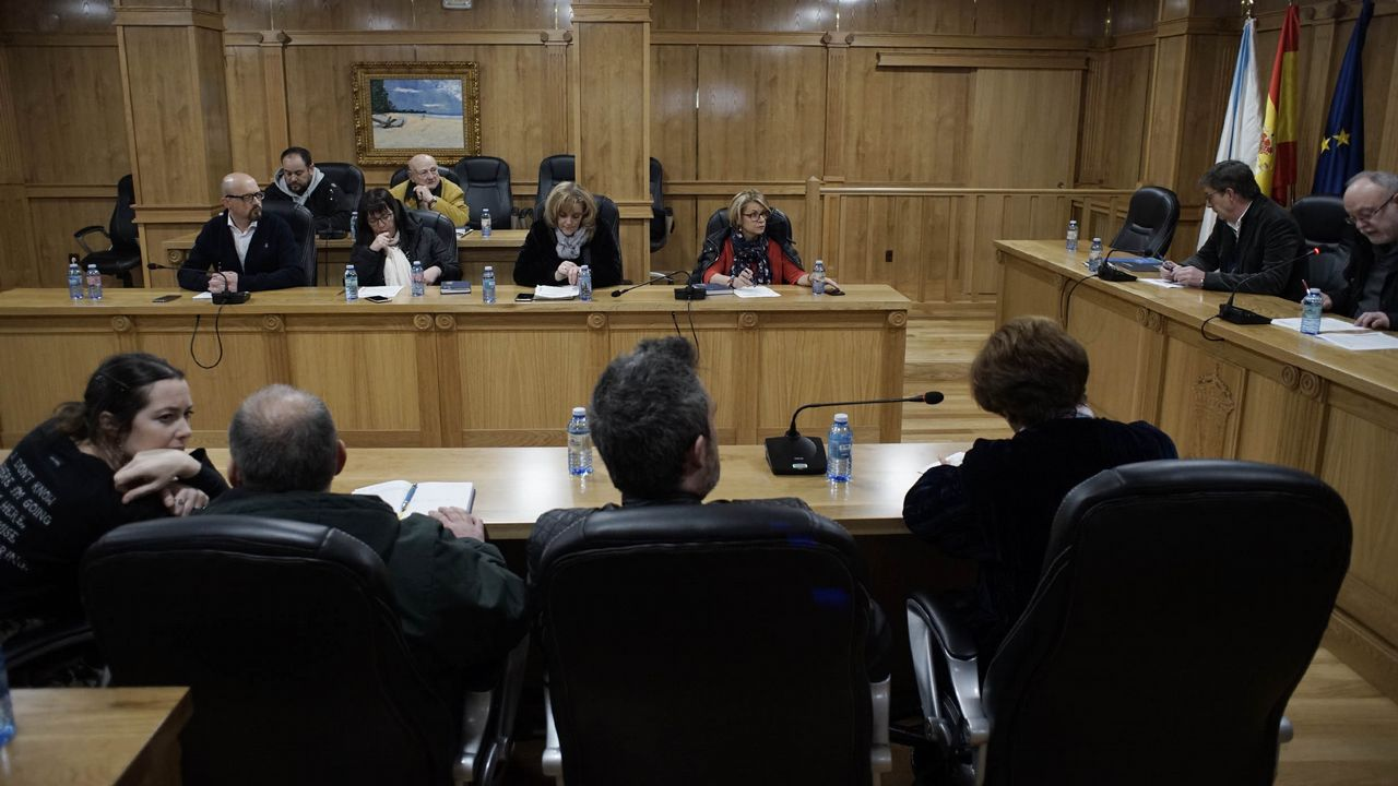 Casado anuncia que el PP recurrirá ante el TC los decretos convalidados en el Congreso.Imagen de un curso de memoria para mayores organizado en Arousa