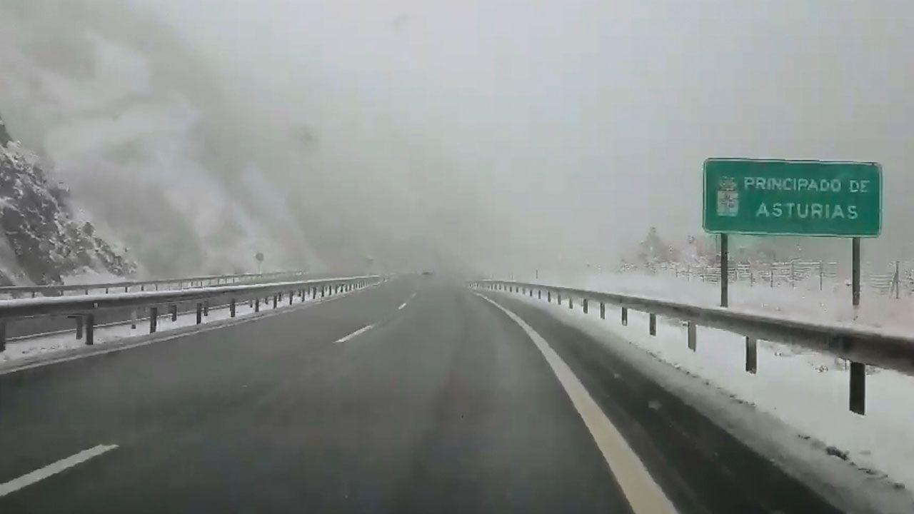 Esta es la imagen que ha dejado la nieve a lo largo del Principado.Base de las brigadas forestales en Tineo