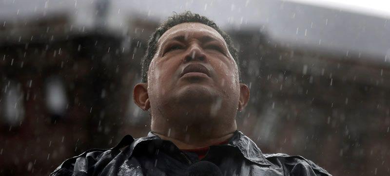 portada.Hugo Chávez, en la campaña electoral de octubre