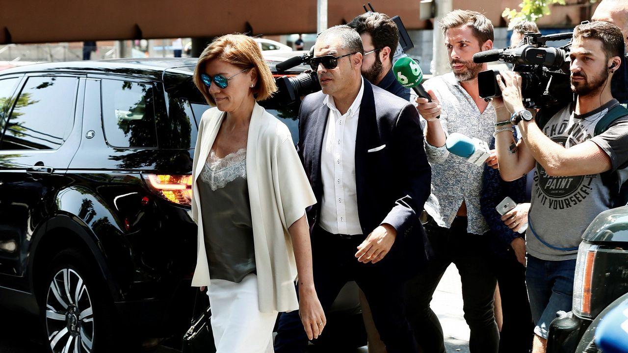 En la imagen, la secretaria general del PP, María Dolores de Cospedal, a su llegada al almuerzo