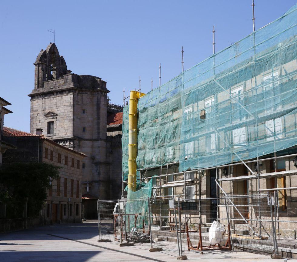 El vicepresidente de la Diputación César Mosquera presenta el primer lote de compost elaborado en Príncipe Felipe