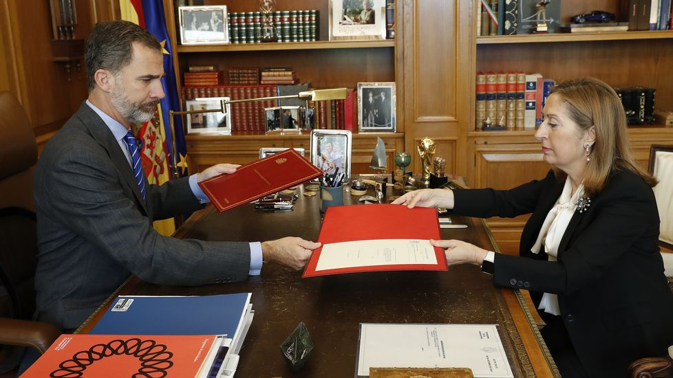 Felipe VI preside en Ferrol el acto del Día del Veterano.Primera foto oficial de la Princesa de Asturias, coincidiendo con la celebración de su 12 cumpleaños