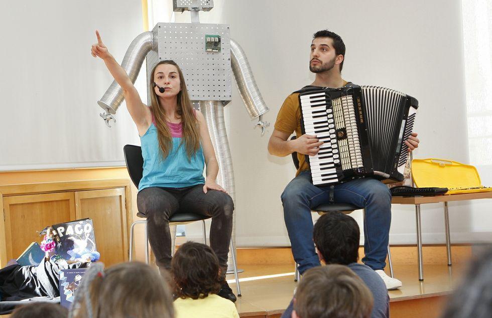 Bea Campos y David González llenaron el Pazo da Cultura de historias y música.