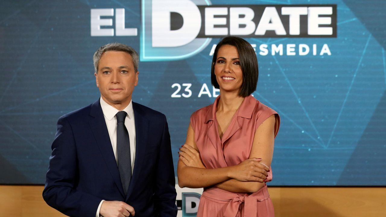 Jordi Sánchez cree que el PSOE aceptará el referéndum.Los presentadores del debate de Atresmedia