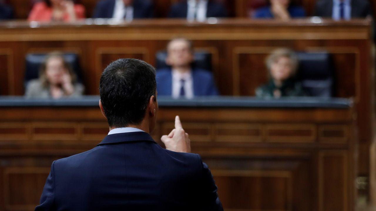 Pedro Sánchez presenta su libro acompañado por Mercedes Milá y Jesús Calleja.El líder de Ciudadanos, Albert Rivera, gesticula durante el debate. Se preguntó donde estaba Rajoy al principio de la sesión ya que el popular apareció poco antes de las diez y media.