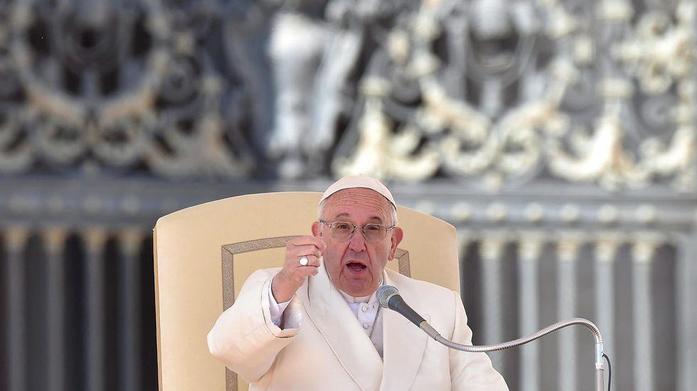 Locura en Polonia por el papa Francisco.Jaime Ortega, junto al presidente cubano Raúl Castro