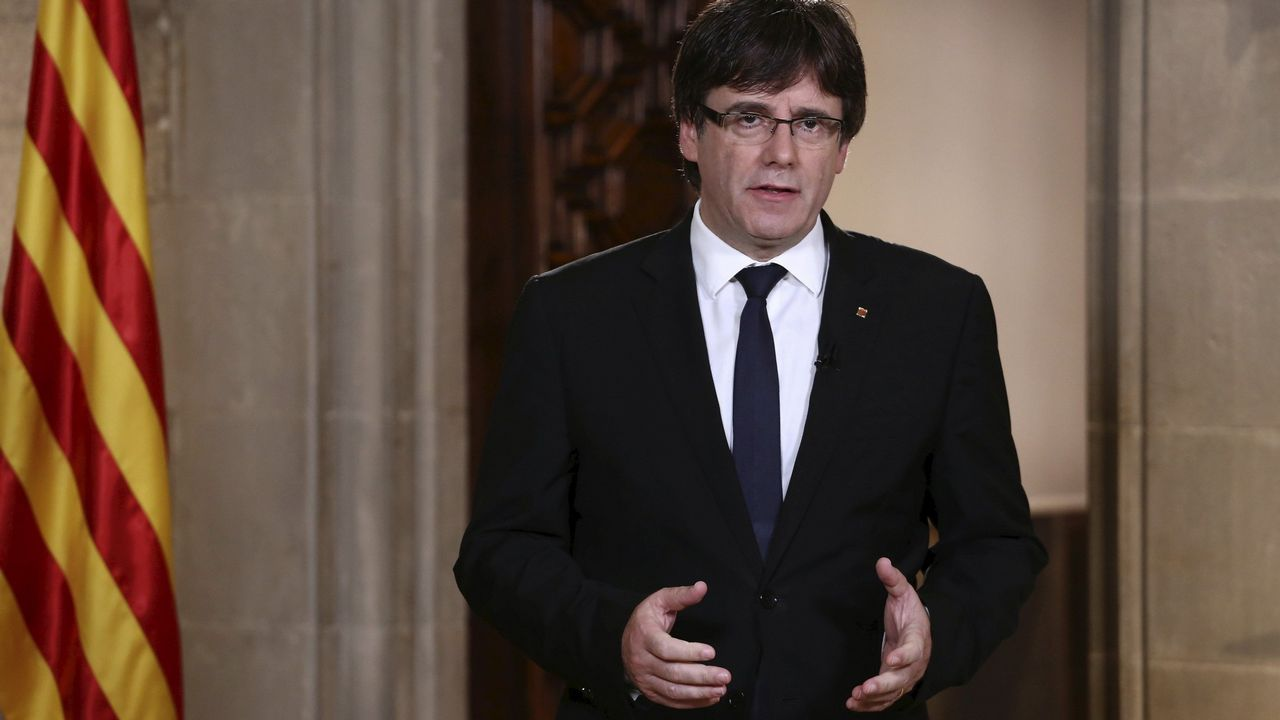 Begoña Piñeiro.Carles Puigdemont