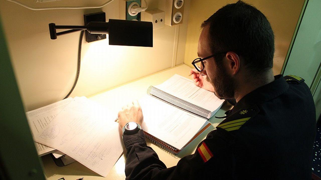 Alumno y suboficial, Sauca compagina las horas de estudio con las guardias y su labor en la F-104