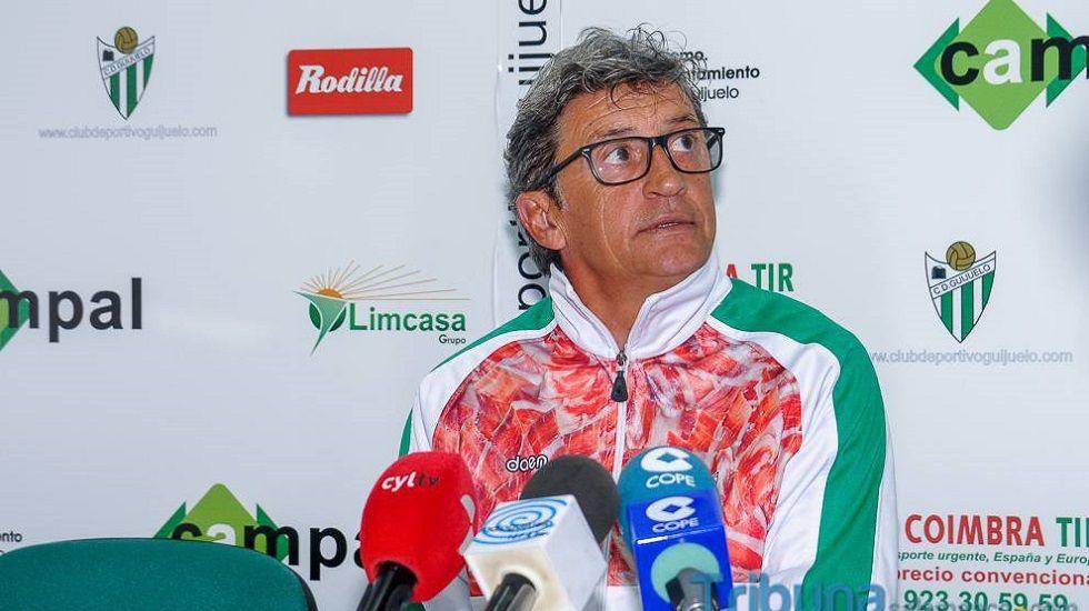 Javi López, presentado como técnico del Lugo.Jordi Fabregat en rueda de prensa