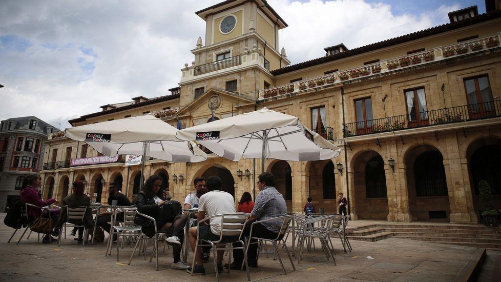 Preba de la sidra en Oviedo.El alcalde de Oviedo, Wenceslao López