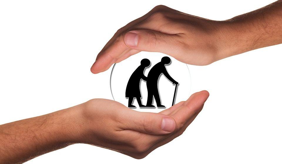 El sector de la atención a los mayores es uno de los que más se puede beneficiar del programa «Oviedo Incluye»