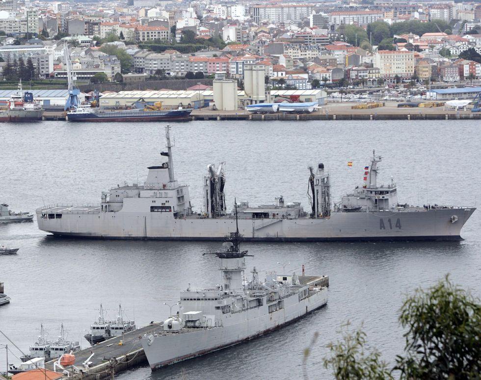 El «Patiño» saliendo de Ferrol para encarar una misión.