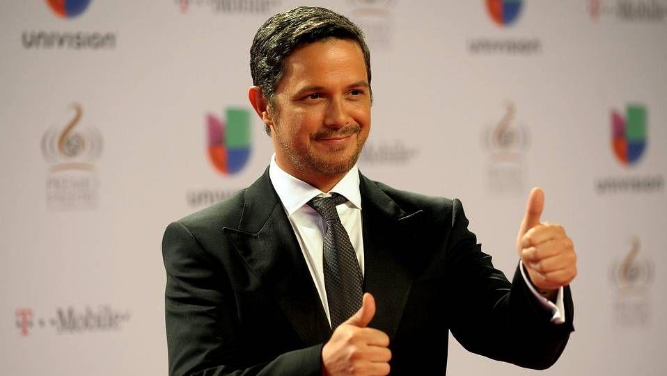 Alejandro Sanz, mejor artista del año de los Premios Lo Nuestro