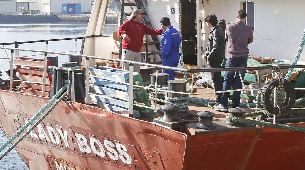 Refugiados sirios piden asilo en el puerto de Marín