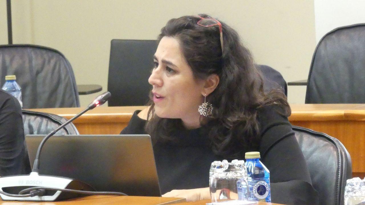 Flora Miranda (Parlamento de Galicia). Lleva solo unos meses en el Parlamento, donde sustituye a Magdalena Barahona, de Podemos. Procede de Compostela Aberta, pero mantiene su independencia en el grupo