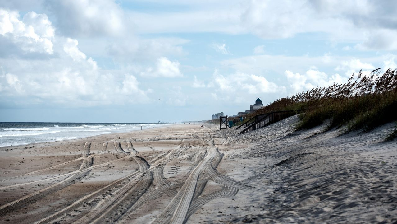 .Playa vacía -Carolina Beach- después de que se realizara una evacuación