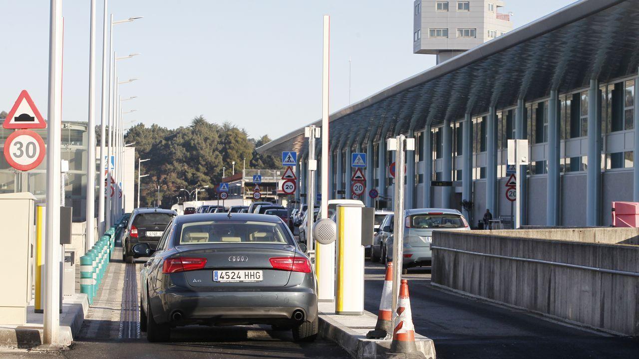 Pasan a disposición los detenidos por el alijo de droga del año.El tren entre Ferrol y A Coruña espera mejoras desde hace años.
