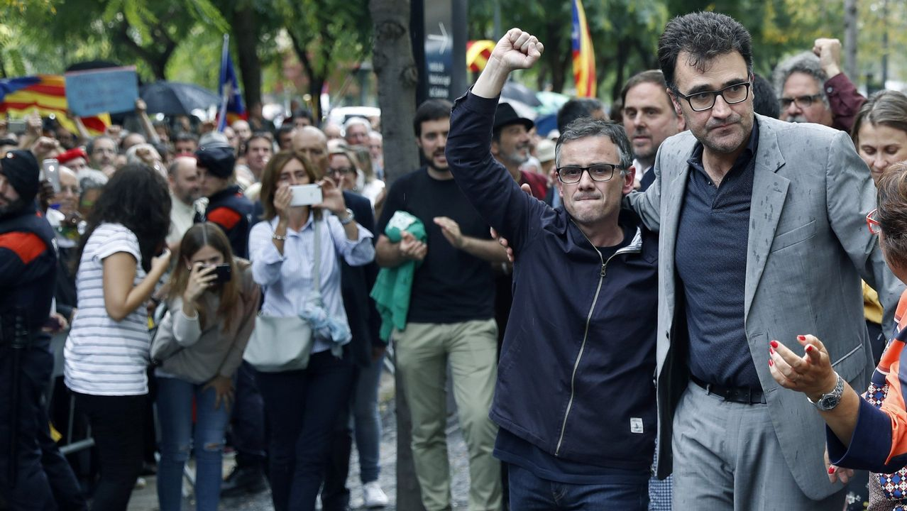 El pasado 20 de septiembre fueron detenidos varios altos cargos de la Generalitat, entre los que se encontraban el secretario general de la consellería de Economía, Josep María Jové, y el secretario general de Hacienda, Lluís Salvadó (a la derecha), en cuyo despacho la Guardia Civil encontró el documento